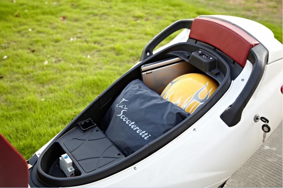 eGen eG1 Premium Electric Scooter Moped store helmet